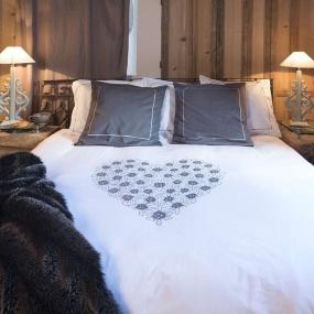 linge de lit montagne linge de lit montagne chalet vagabonde. Black Bedroom Furniture Sets. Home Design Ideas