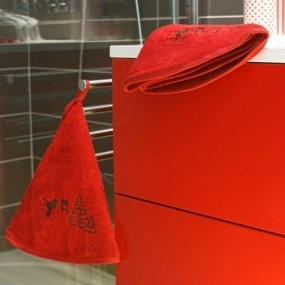 Ski on red tea towel