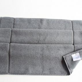Deco scandinave - Tapis de bain Uni gris  50x80cm