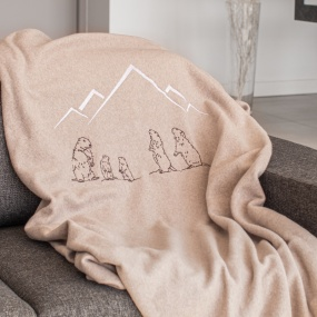 Taupe blanket with Marmots