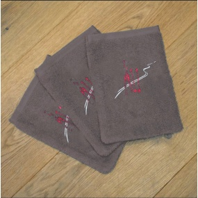 Grey washcloths with ski...