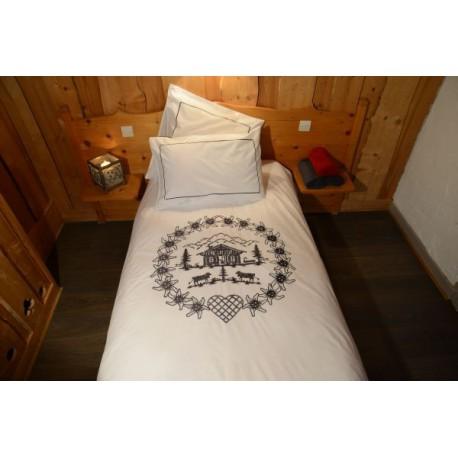 housse de couette chalet noir deco montagne. Black Bedroom Furniture Sets. Home Design Ideas