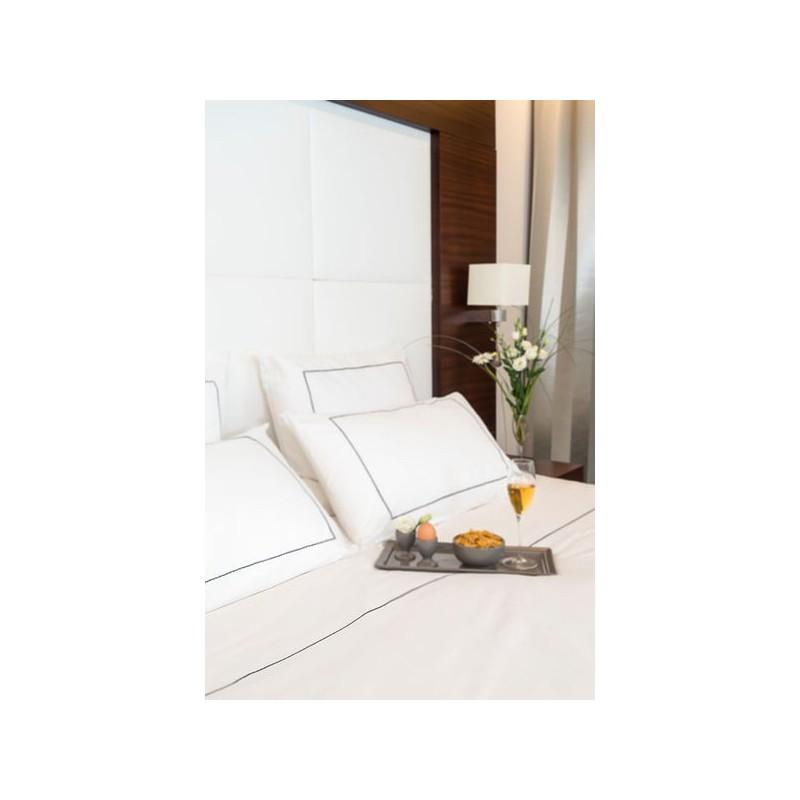 housse de couette blanche housse de couette en percale. Black Bedroom Furniture Sets. Home Design Ideas