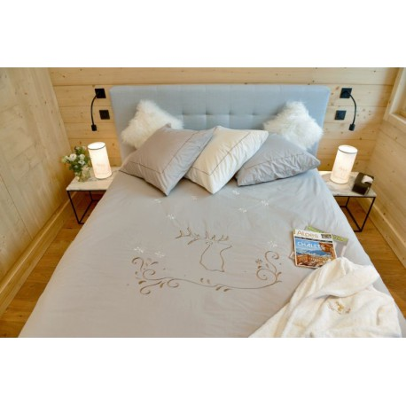 Stag embroidered duvet cover ivory