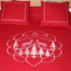 Red duvet cover set with chamois
